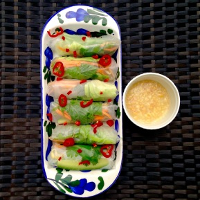 Summer rolls with sweet & savoury peanut dipping sauce
